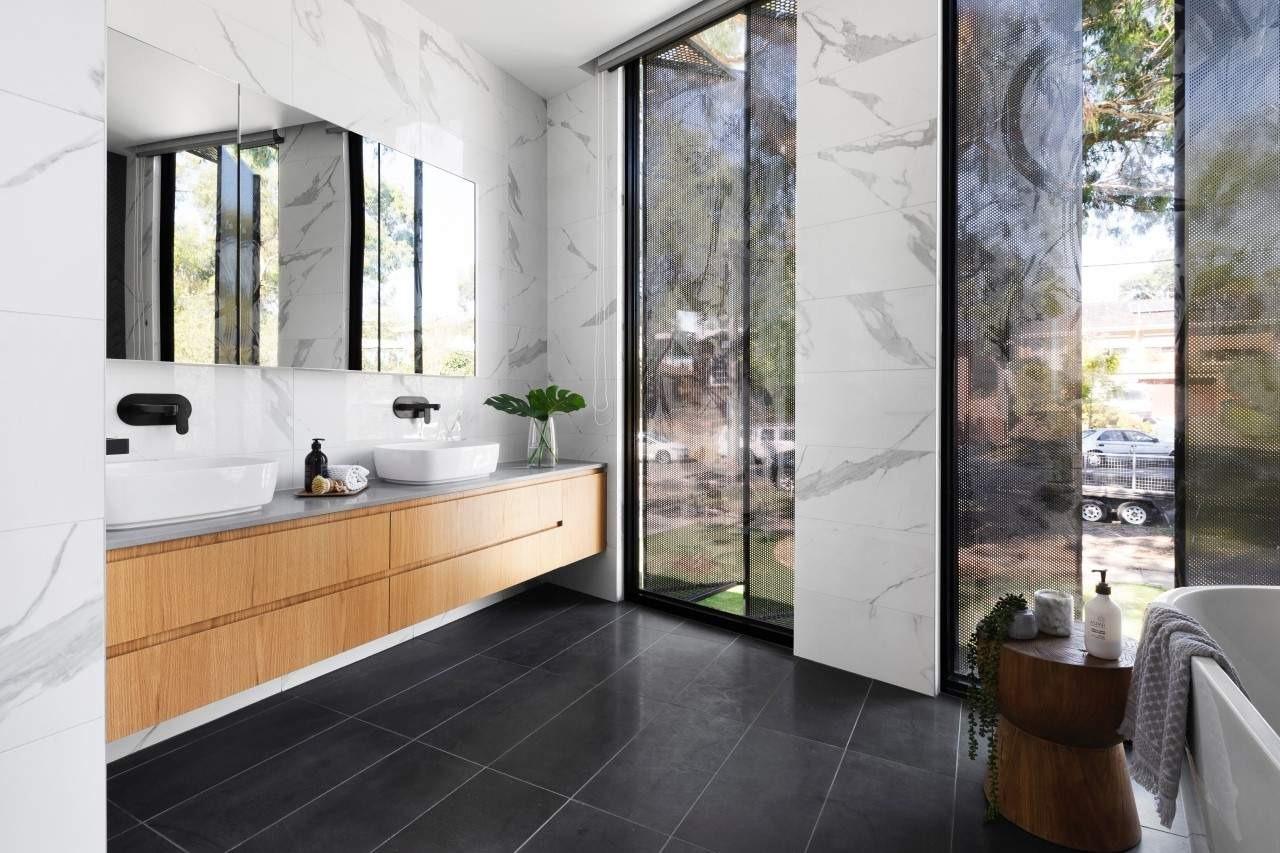 Mirrored Bathroom Las Vegas
